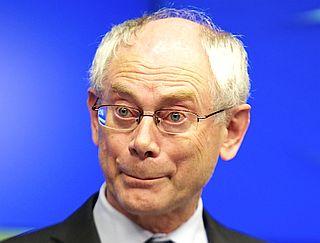 """Die """"Flamme des Friedens"""" für Herman Van Rompuy"""
