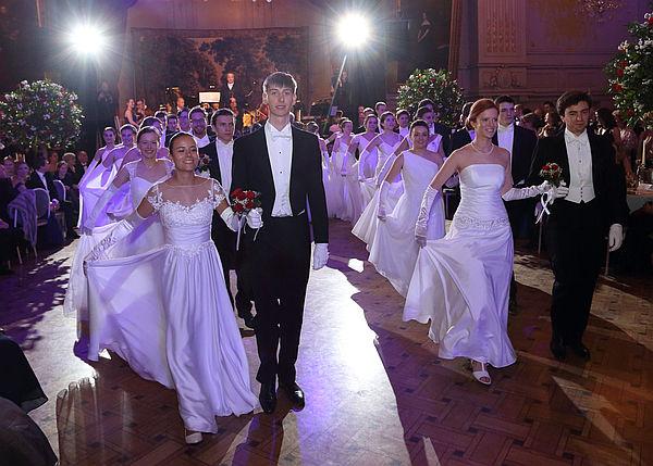 Tanzen wie zu Kaiserin Sisis Zeiten