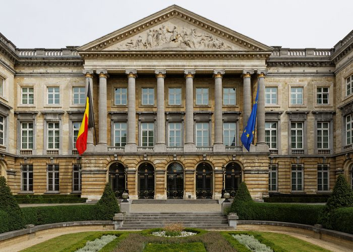 Belgische Mehr-Parteien-Koalition stabil in der Corona-Krise